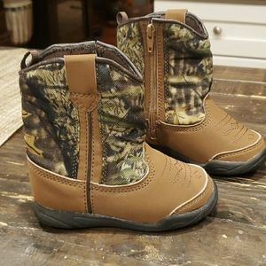 Baby size 5 camo boots